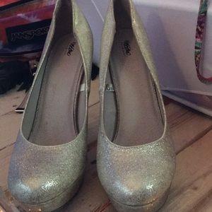 glittery gold pumps